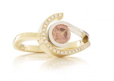 2.13_Six ring bruin zirkoon met diamant